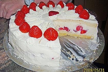 Erdbeertorte mit zarter Joghurtcreme 75
