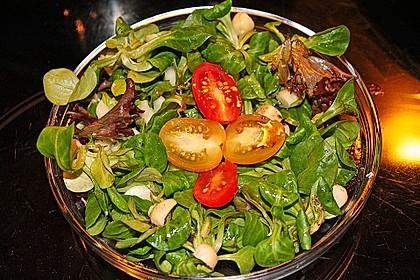 Feldsalat mit Macadamia Nüssen 2