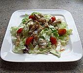 Blattsalat mit warmem Hähnchenfilet