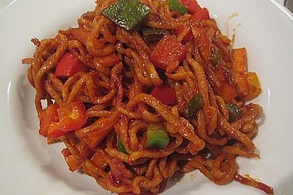 Asiatisch gebratene Nudeln süß - scharf, vegetarisch 26