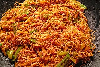 Asiatisch gebratene Nudeln süß - scharf, vegetarisch 1