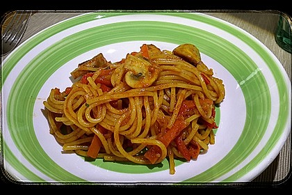 Asiatisch gebratene Nudeln süß - scharf, vegetarisch 33