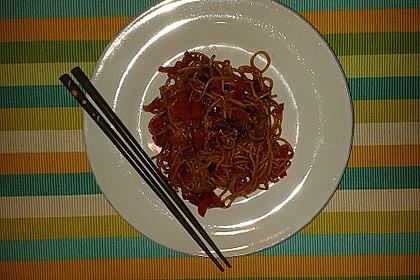 Asiatisch gebratene Nudeln süß - scharf, vegetarisch 22