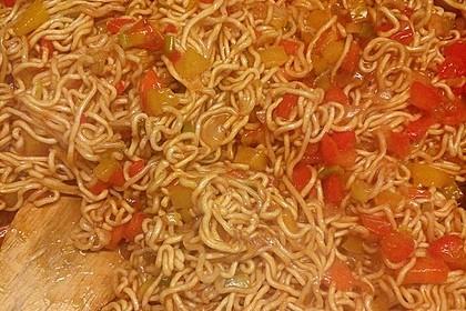 Asiatisch gebratene Nudeln süß - scharf, vegetarisch 29