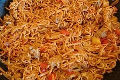 Asiatisch gebratene Nudeln süß-scharf, vegetarisch 17