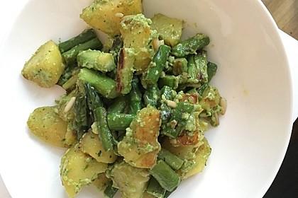 Grüner Spargel und neue Kartoffeln mit Bärlauch - Pesto 11
