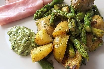 Grüner Spargel und neue Kartoffeln mit Bärlauch - Pesto 5