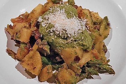 Grüner Spargel und neue Kartoffeln mit Bärlauch - Pesto 17