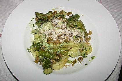 Grüner Spargel und neue Kartoffeln mit Bärlauch - Pesto 16