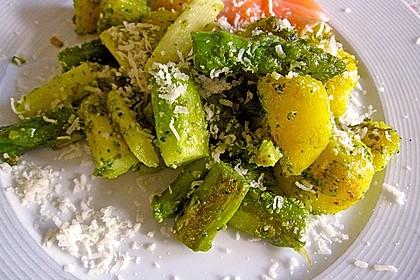 Grüner Spargel und neue Kartoffeln mit Bärlauch - Pesto 3