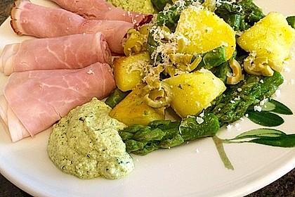 Grüner Spargel und neue Kartoffeln mit Bärlauch - Pesto 4