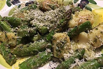 Grüner Spargel und neue Kartoffeln mit Bärlauch - Pesto 14