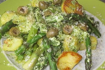 Grüner Spargel und neue Kartoffeln mit Bärlauch - Pesto 9