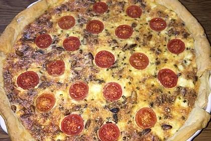 Quiche mit Spinat, Feta, Tomaten und Pinienkernen 24