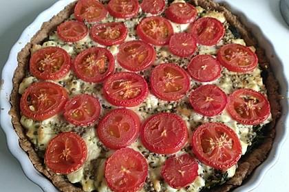 Quiche mit Spinat, Feta, Tomaten und Pinienkernen 4