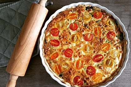 Quiche mit Spinat, Feta, Tomaten und Pinienkernen 5