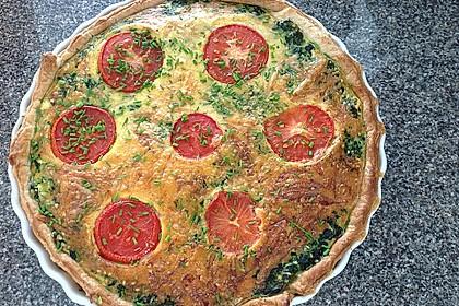 Quiche mit Spinat, Feta, Tomaten und Pinienkernen 14