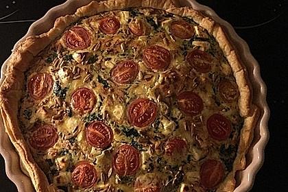 Quiche mit Spinat, Feta, Tomaten und Pinienkernen 9