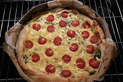 Quiche mit Spinat, Feta, Tomaten und Pinienkernen 21