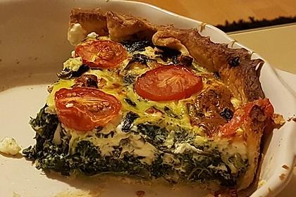 Quiche mit Spinat, Feta, Tomaten und Pinienkernen 6