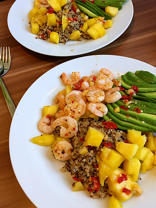 quinoa salat mit mango avocado und garnelen von supernaturalfoods. Black Bedroom Furniture Sets. Home Design Ideas