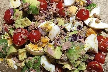 Thunfischsalat mit Ei, Avocado und Tomaten 6