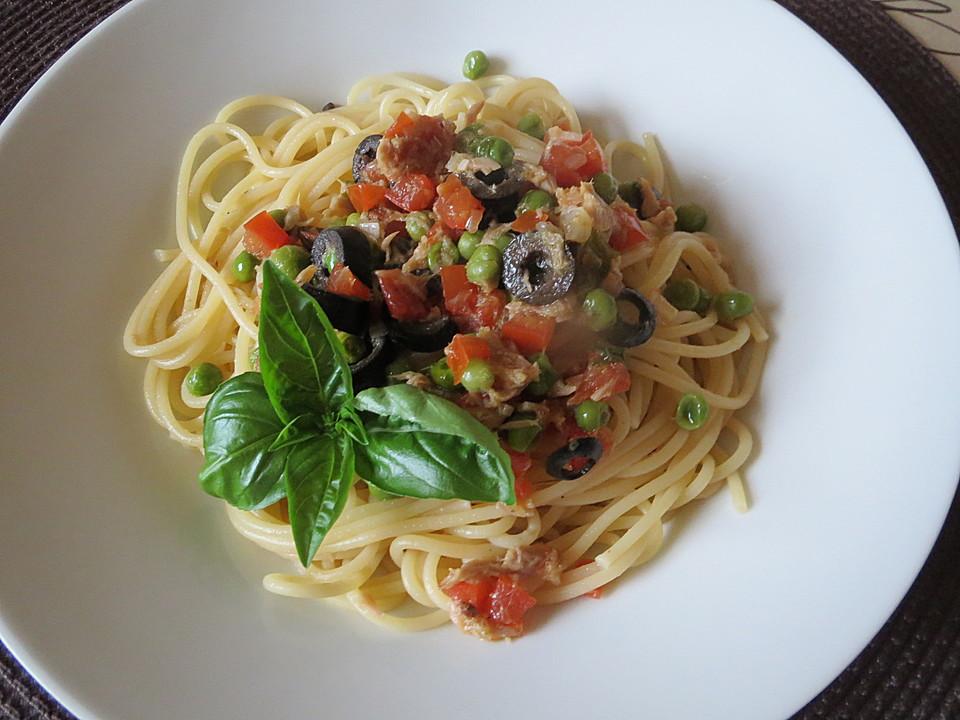 spaghetti mit thunfisch oliven und erbsen von riga53. Black Bedroom Furniture Sets. Home Design Ideas