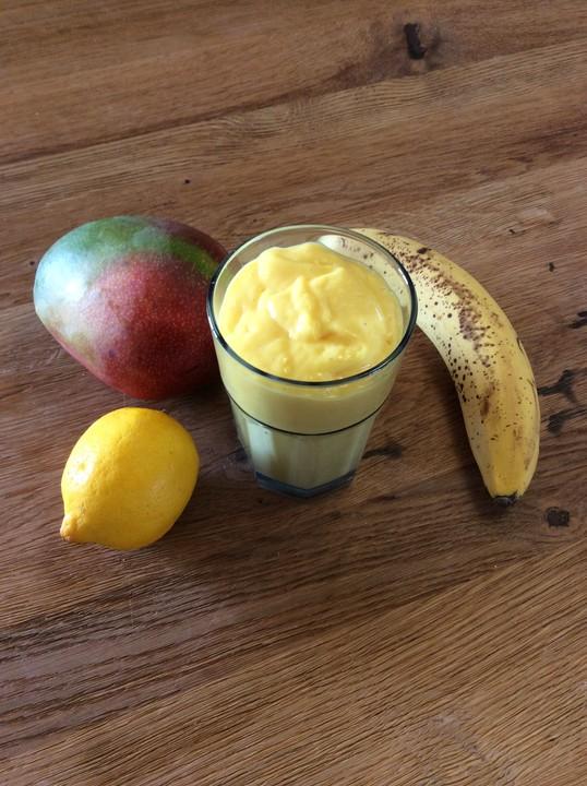 mango kefir banane smoothie rezept mit bild von patty89. Black Bedroom Furniture Sets. Home Design Ideas