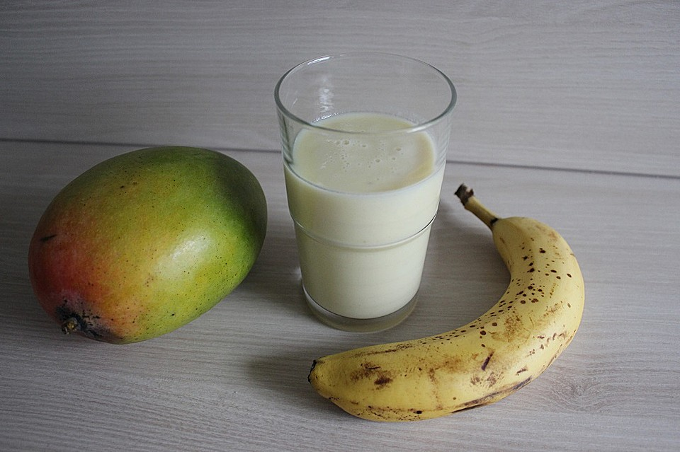 mango bananen limetten smoothie rezept mit bild. Black Bedroom Furniture Sets. Home Design Ideas