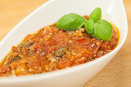 Tomatensauce mit Oliven und Kapern