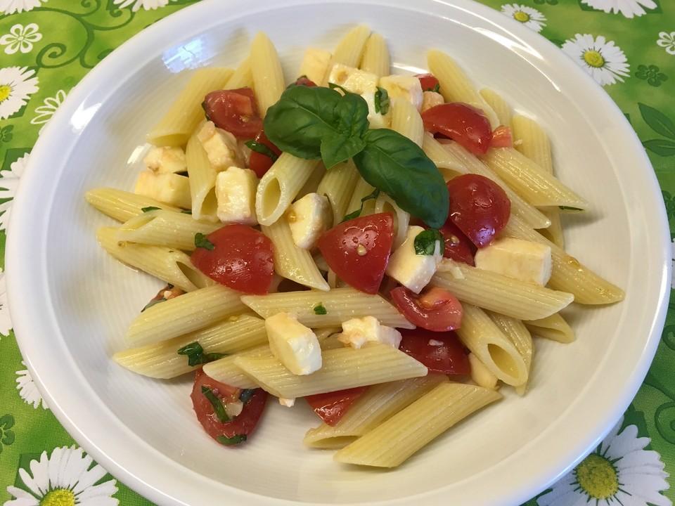 Sommerküche Chefkoch : Duftende tomaten mozzarella nudeln von onris chefkoch