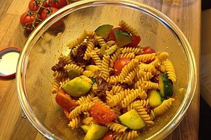 Tortellini-Pesto Salat 6