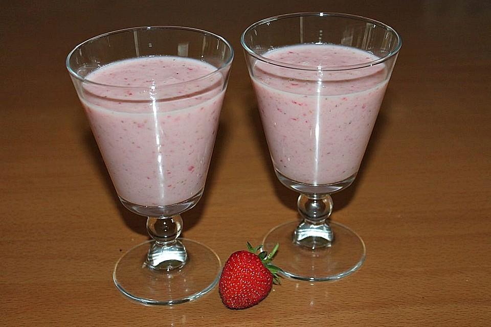 smoothie mit erdbeeren galiamelone und banane rezept mit. Black Bedroom Furniture Sets. Home Design Ideas