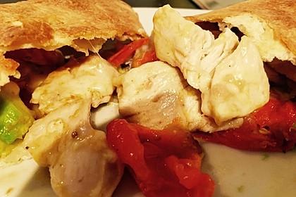 Burrito mit Hähnchen und Tomate 4