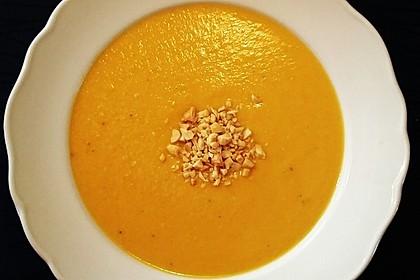 Süßkartoffel–Erdnuss-Suppe 25