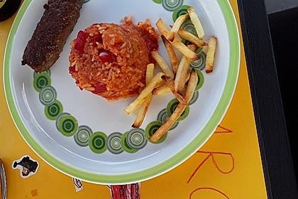 Cevapcici mit Paprika-Curry-Reis