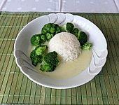 Brokkoli mit Reis und Béchamelsoße