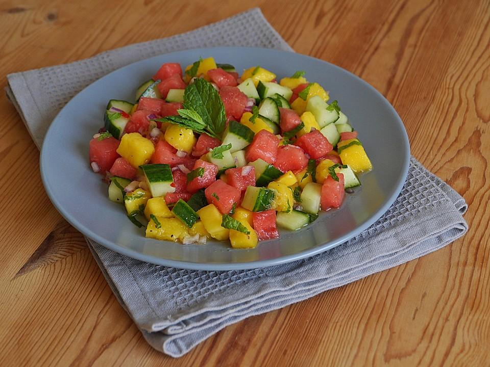sommerlicher salat aus wassermelone gurke und mango rezept mit bild. Black Bedroom Furniture Sets. Home Design Ideas
