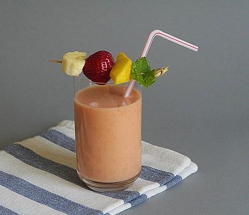 kinder smoothie mit banane und erdbeeren rezepte suchen. Black Bedroom Furniture Sets. Home Design Ideas
