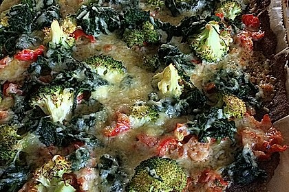 Low Carb Eiweiß-Spinat-Brokkolipizza