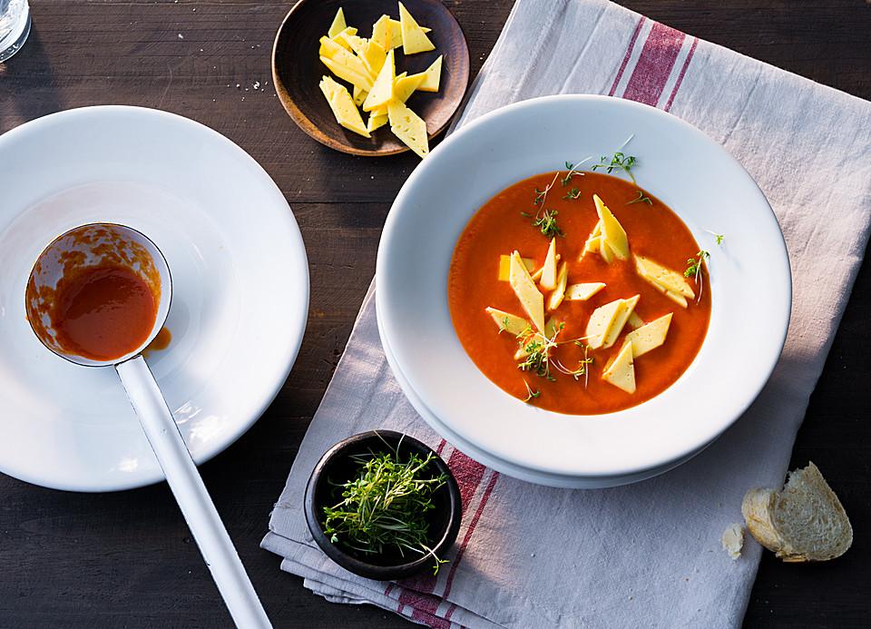 pikante tomaten paprika suppe mit einlage rezepte suchen. Black Bedroom Furniture Sets. Home Design Ideas