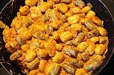 Gnocchi-Gemüsepfanne mit Würstchen