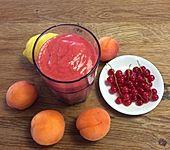Johannisbeer-Aprikosen-Orangen-Smoothie