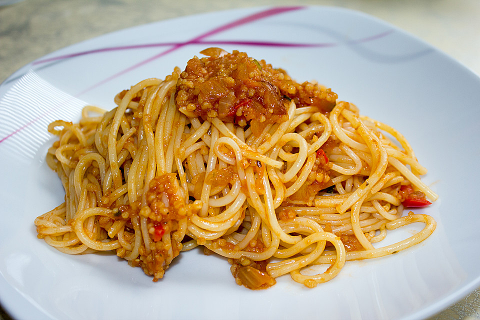 alex vegane coucous bolognese mit spaghetti rezept mit bild. Black Bedroom Furniture Sets. Home Design Ideas