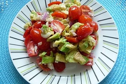 Leckerer Tomaten-Avocado-Salat 17