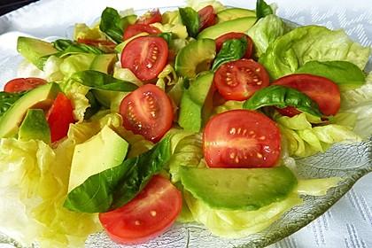 Leckerer Tomaten-Avocado-Salat 2