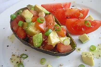 Leckerer Tomaten-Avocado-Salat 10