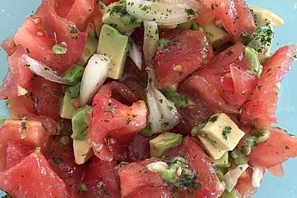 Leckerer Tomaten-Avocado-Salat 23