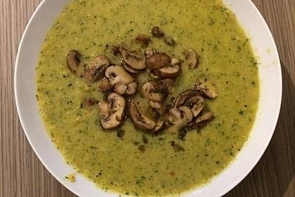 Zucchinicremesuppe mit gebratenen Champignons 2
