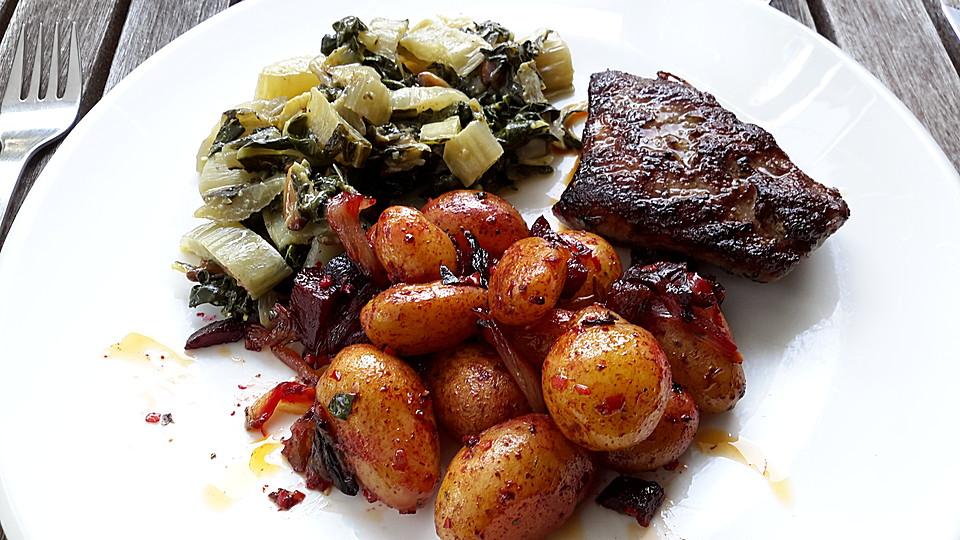 bratkartoffeln mit roter bete und patatas bravas gew rz. Black Bedroom Furniture Sets. Home Design Ideas